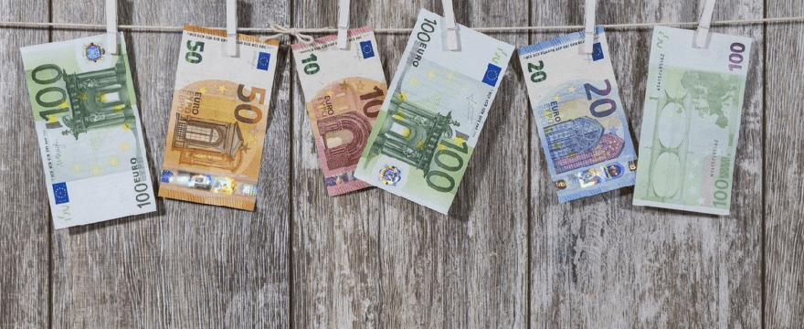 How to set up tax rates in WooCommerce for EU invoices?